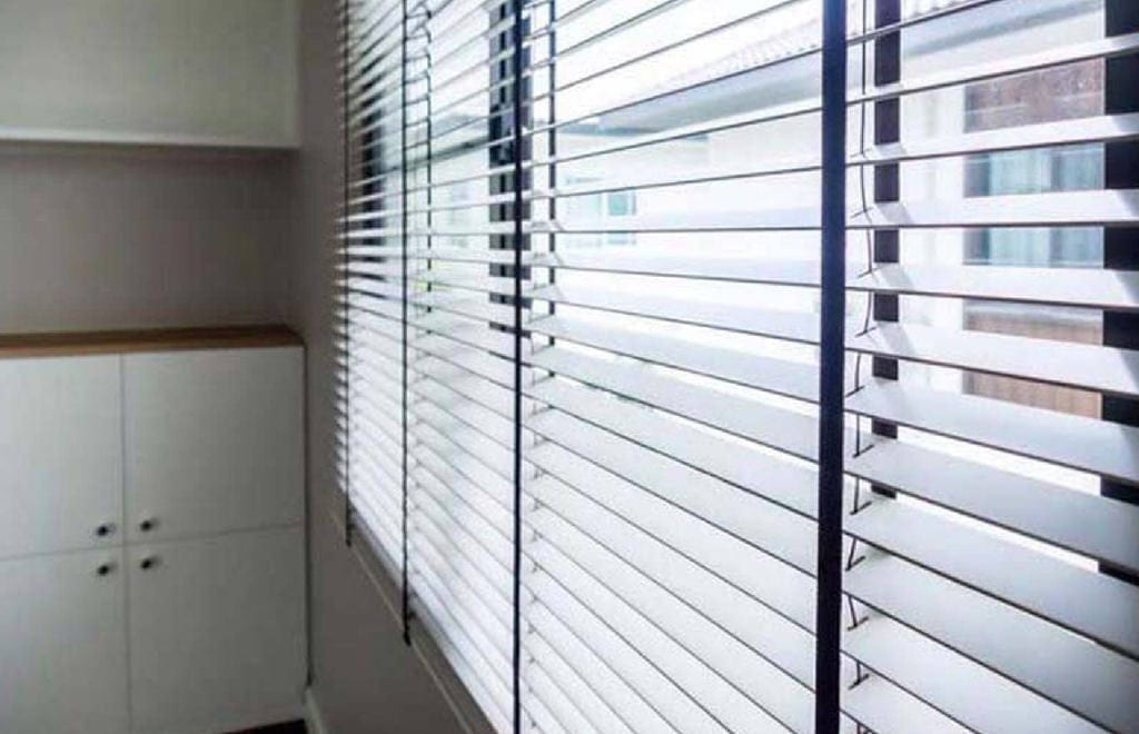 white venetian aspiration in blinds wooden measure to bolton made